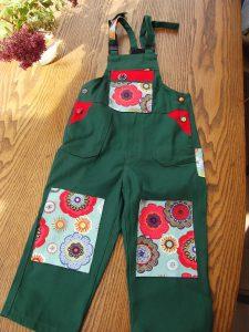 Das Neueste aus meinem Atelier Passend zur Gartenhose für Erwachsene.......die Kinderhose